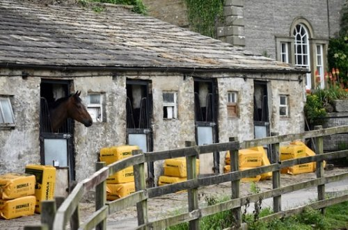 LOW BECK HOUSE AND STABLES, BRECONGILL